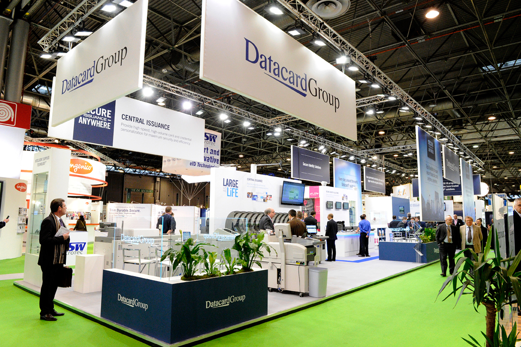 Reportage photos stand datacardgroup cartes for Animation stand salon